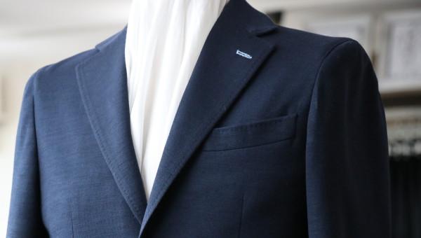 ダブルフェイスジャージ生地で仕立てるジャケット