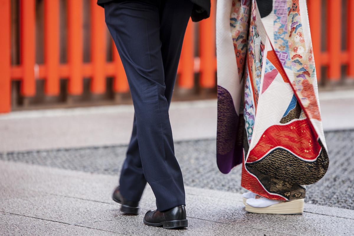 狭山茶の伝道師、皇茶人のスーツ