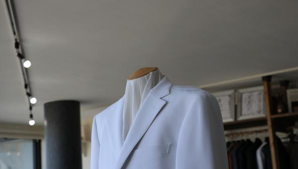 御医者様用のオーダー白衣ジャケット受け付けています。