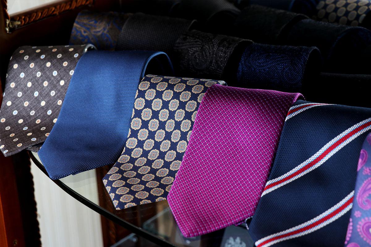 新しいコレクションのネクタイが入荷しました!!