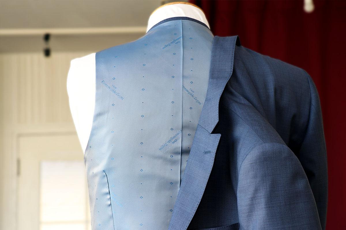 ゼニアで揃えたトラベラーのスーツ