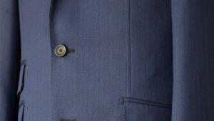 イタリアのモヘア混生地で作ったスーツの表情