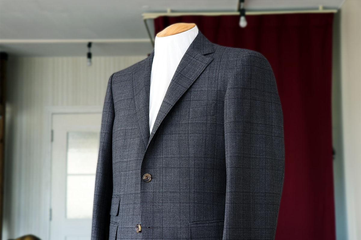 トロピカル素材で作るイタリアスーツ