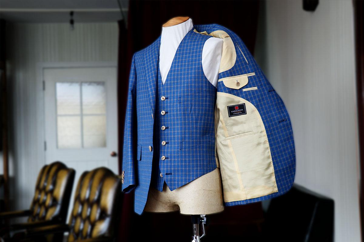 シルク混のイギリス生地イカルスで作るスーツ