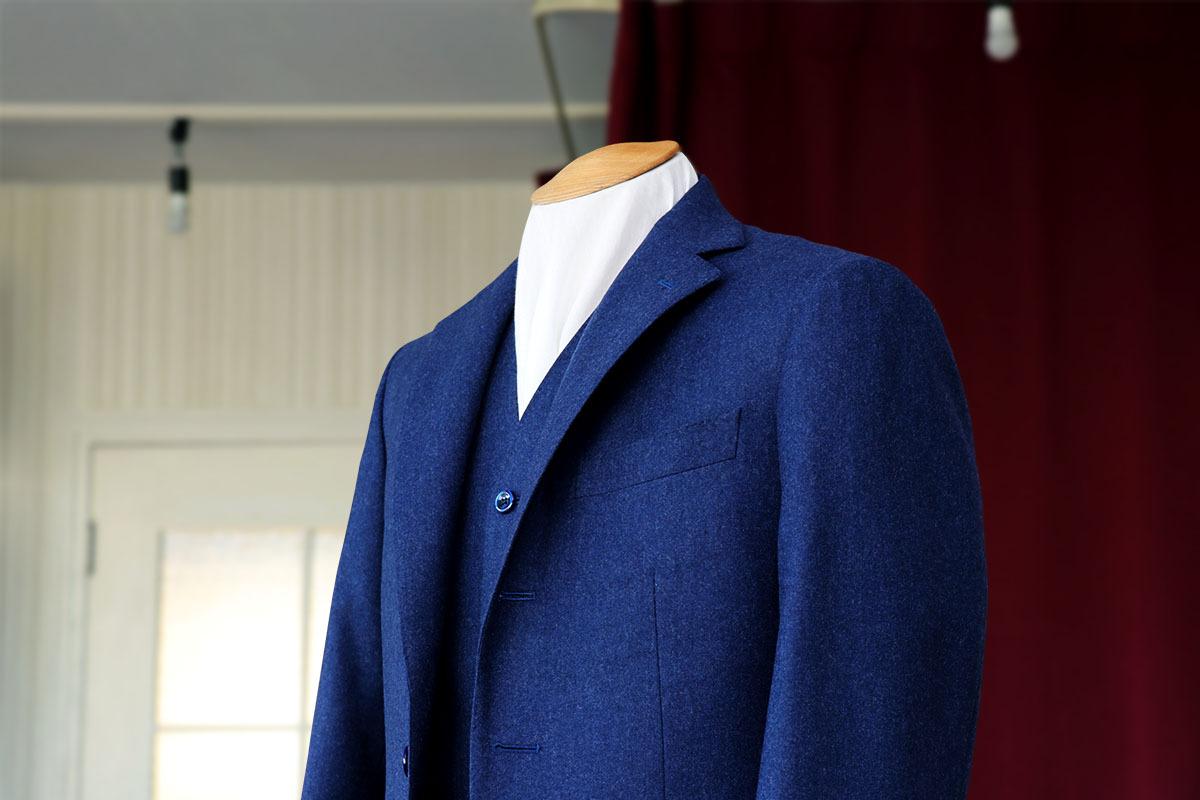 【最旬】今年の秋冬オススメのネイビースーツスタイル