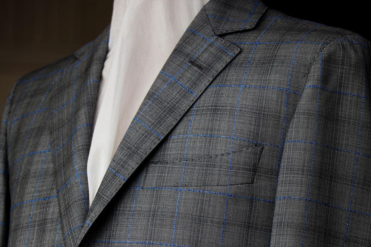 デルフィノの人気生地で作るビジネススーツ