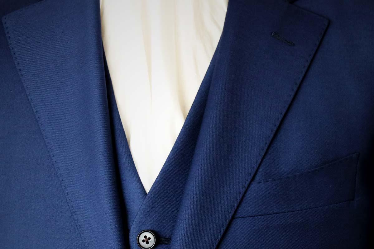 ゼニア・トロフェオのツヤある最高級スーツ