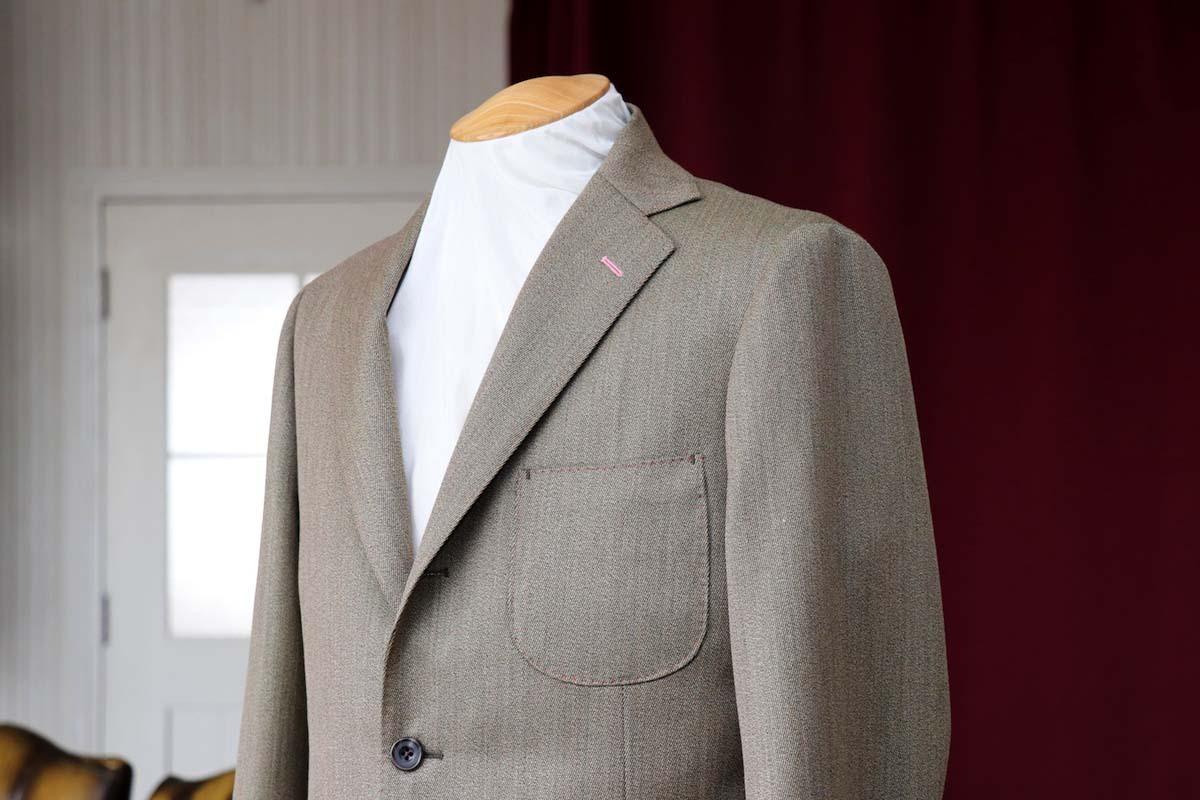 カバードクロスのジャケットスタイル