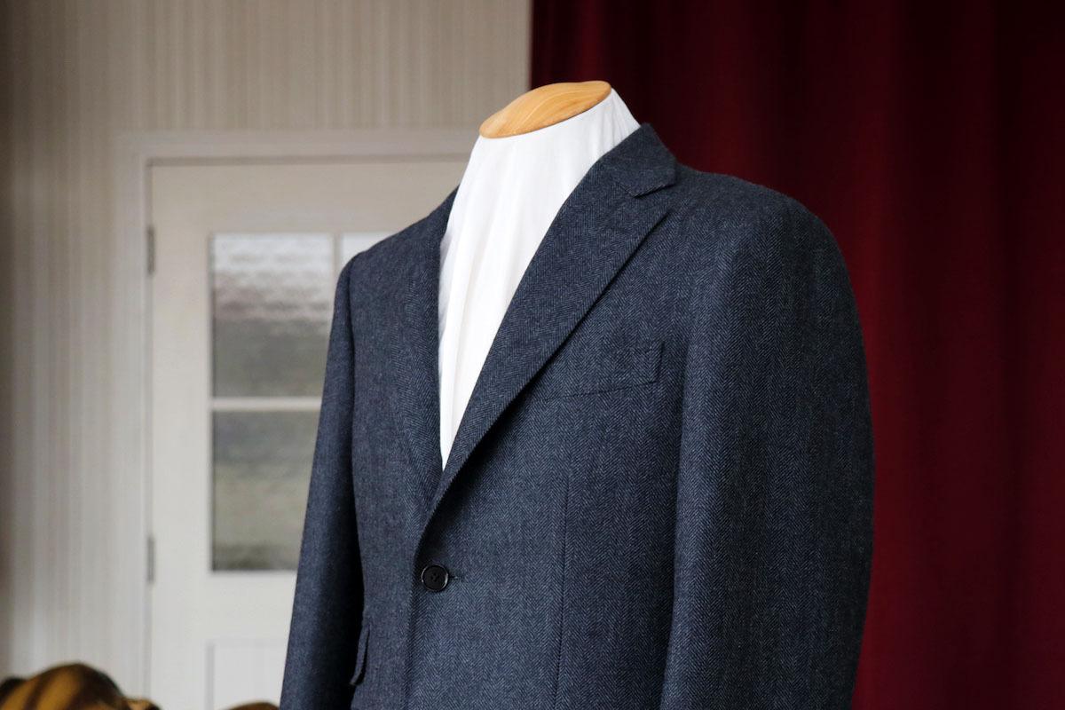 ラムズウールとアンゴラを使用した贅沢なジャケット