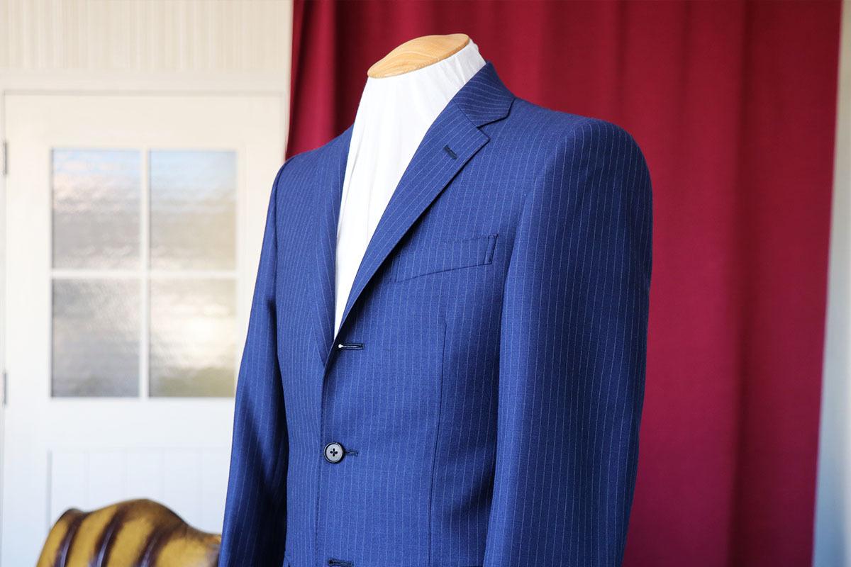 イギリスのオールシーズン生地にて仕立てるビジネススーツ