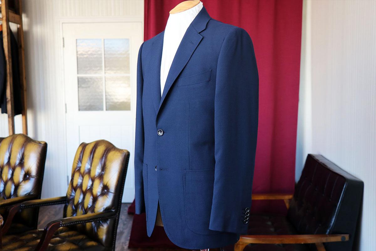 ジャケット&パンツスタイル兼用のスーツ生地