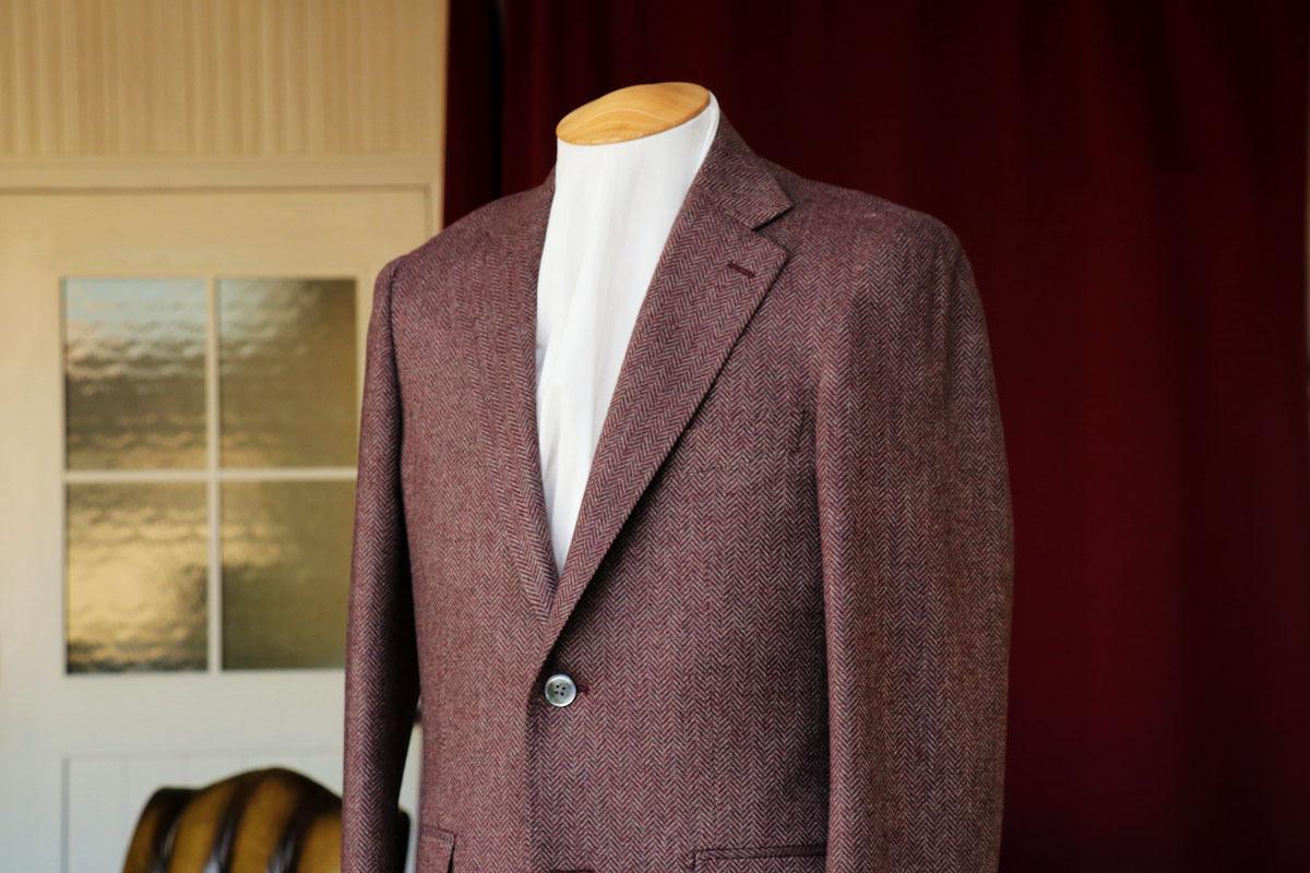 エンジの表情が暖かいトレーニョのジャケット