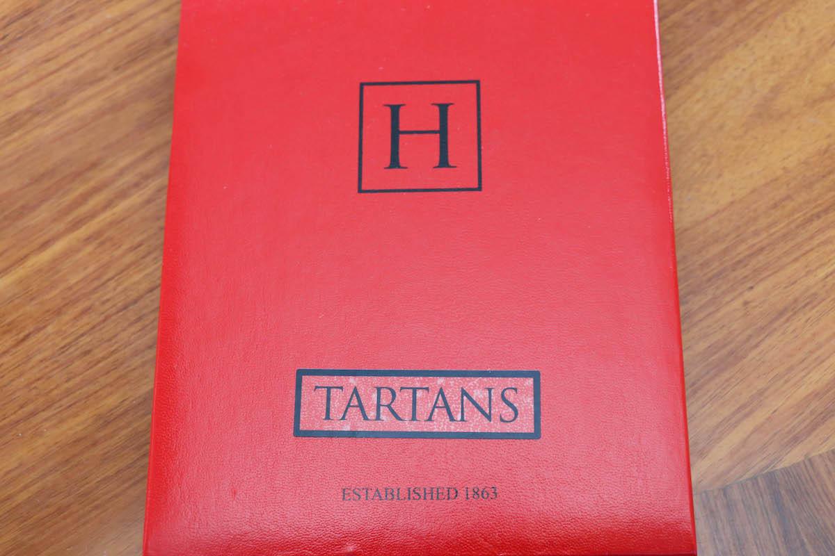 イギリスの名門「HARRISONS OF EDINBURGH TARTANS(ハリソンズオブエジンバラ タータンズ)」