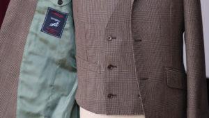 Wビルのアイリッシュリネンのスリーピーススーツ