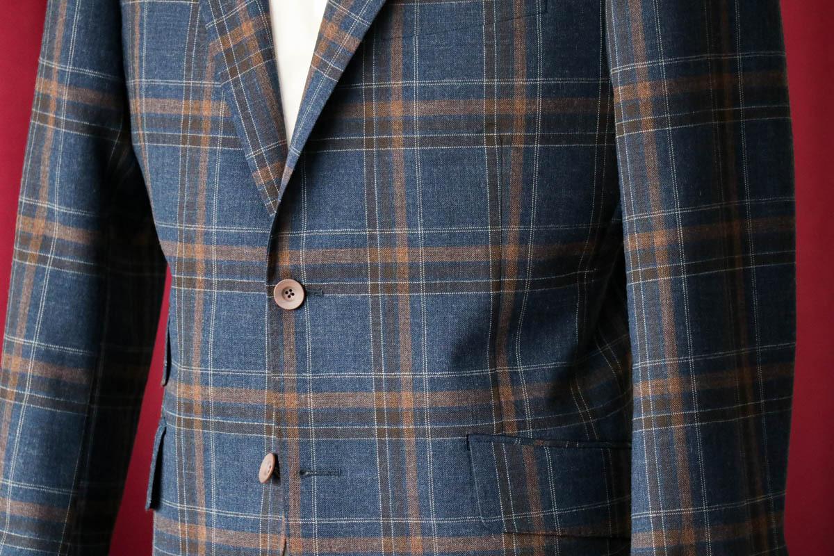 フォックスブラーザーズの日本向け生地?で仕立てるカジュアルジャケットを「ビジネスシーンの目線」で考える