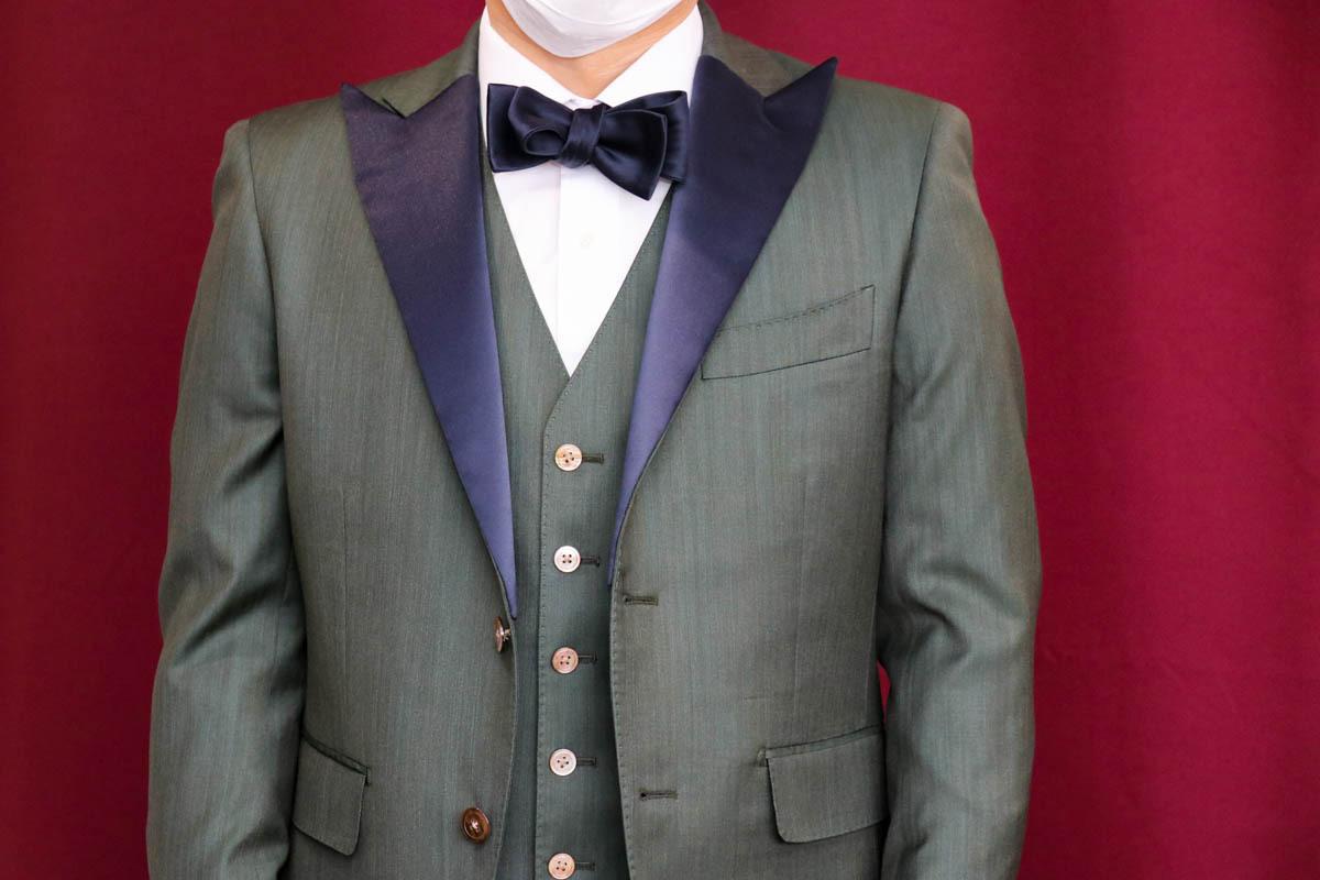 グリーンの生地で作る「スーツにリメイクできるタキシード」