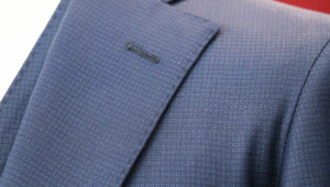 ダブルブレストのグリーンソラーロなビジネススーツ