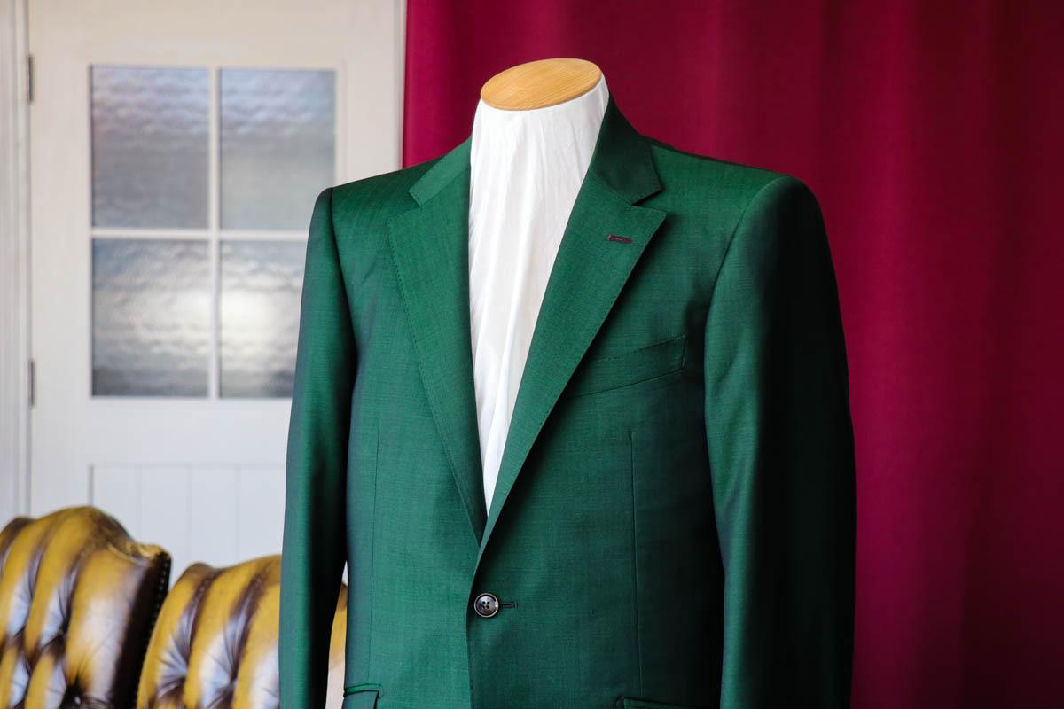 【最旬】ネロエヴェルデをイメージしたグリーンスーツ