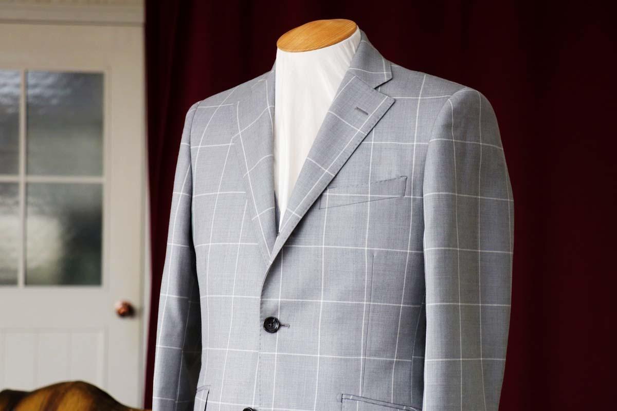 オールシーズン着用できるイギリス、ハリソンズのリージェンシーで仕立てるウインドペンスーツ