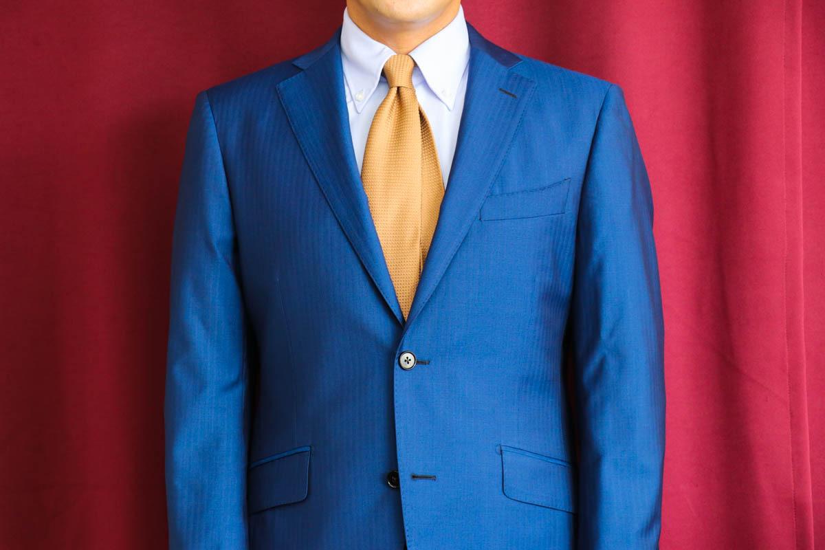 ゼニアの発色の良い鮮やかなヘリンボーンをビジネススーツに仕立てる