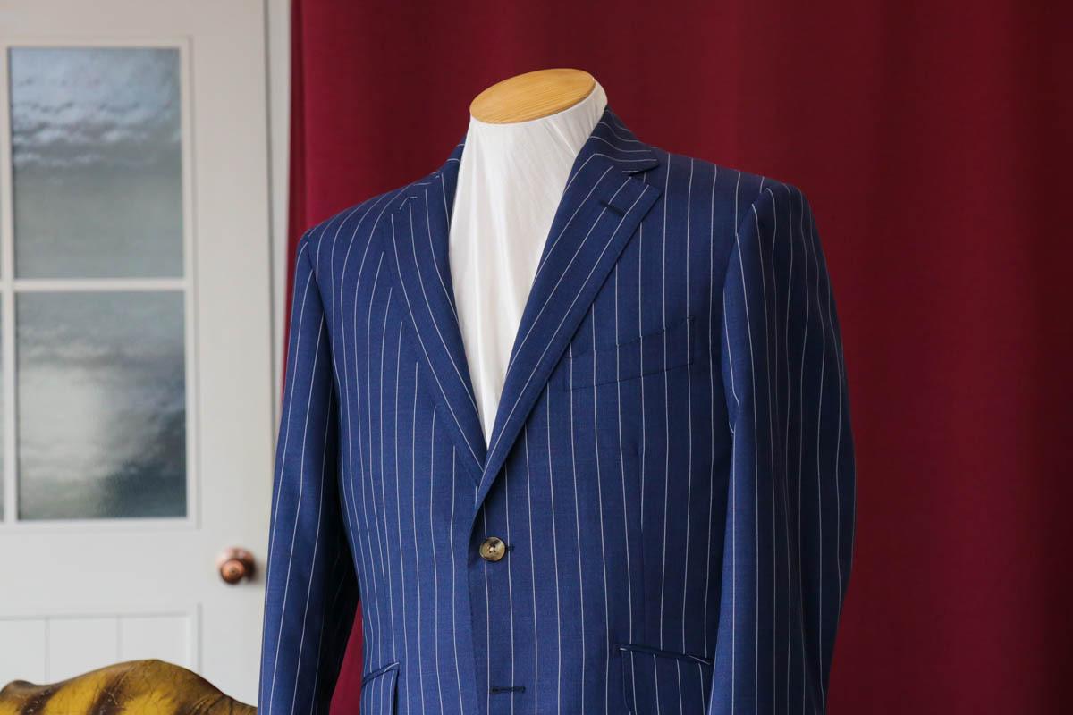 カノニコの2plyウール 平織で仕立てる快適なビジネススーツ