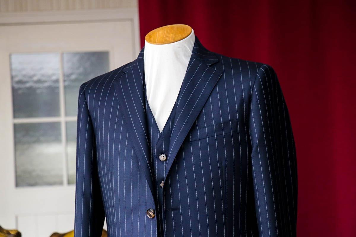ハリソンズのリージェンシーで仕立てるピンストライプのスーツ