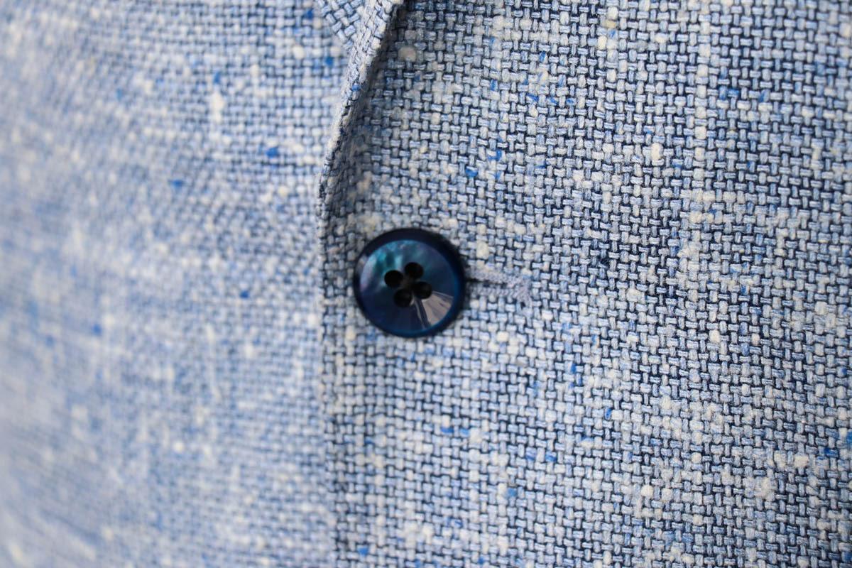アリストンのシルク×ネップの表情がラグジュアリーな生地で仕立てるカジュアルジャケット