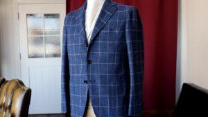 春夏シーズンは【灰茶(はいちゃ)】色のスーツがオススメです