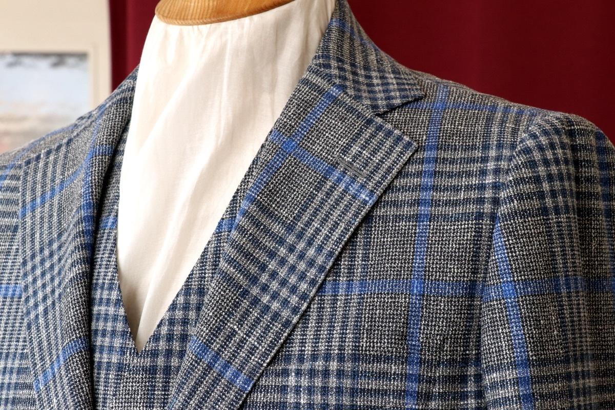 ジャケットとベストを共地で仕立てる春夏のジャケットスタイル