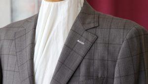 スーツの《ハンガーに掛けておけばシワは取れる!》は本当か!?