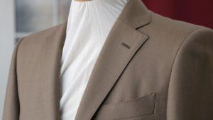アリストンの色気あるシルク混スーツを着こなす